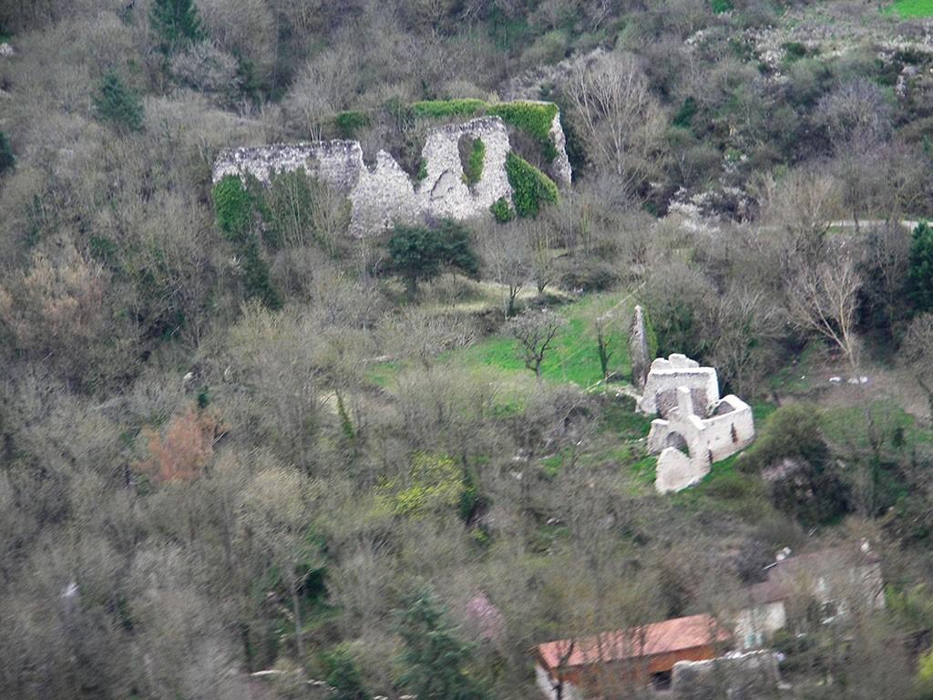 Le Château et la Chapelle