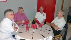Voyage dans le Jura: notre président au restaurant.