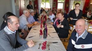 Voyage dans le Jura: au restaurant.