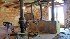 Voyage dans le Jura: les turbines du Moulin en action.