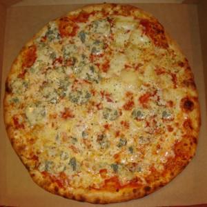 Pizza tomate fourme