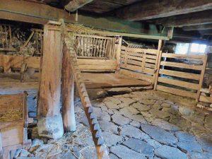 La Ferme Perrel - L'escalier à poules