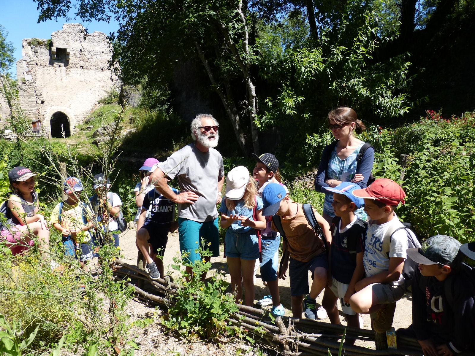 L' école de St Julien sur Bibost visite Donzy