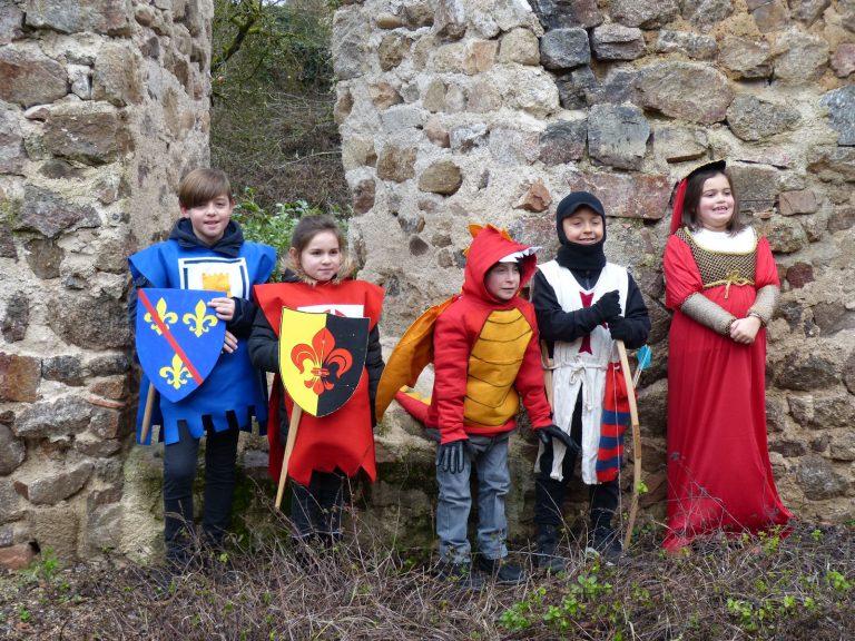 Un dragon et des chevaliers à Donzy ….